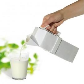 Poignée pour carton haut lait ou jus de fruit en situation