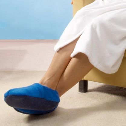 Chaussons de relaxation bleus en situation