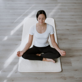 Tapis de yoga pure Laine de mérinos en situation