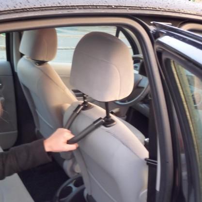 Poignée de transfert pour passager en voiture - en situation